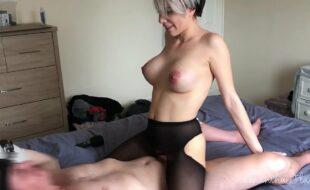 Sexo com mulher gostosa pelada