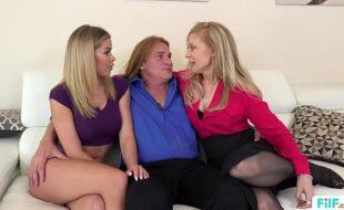 Ver video porno de velho com novinhas excitadas