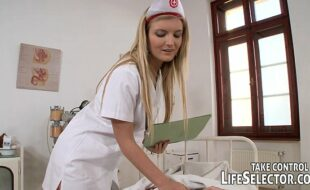 Video de sexo com enfermeira safada no brazzeres porn